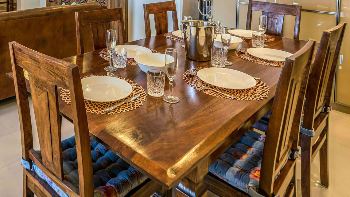 dining-tables-in-pune