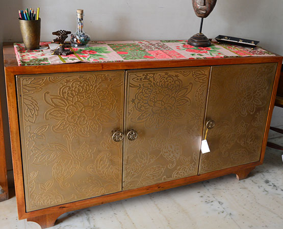 BRASS SIDE BOARD.jpg