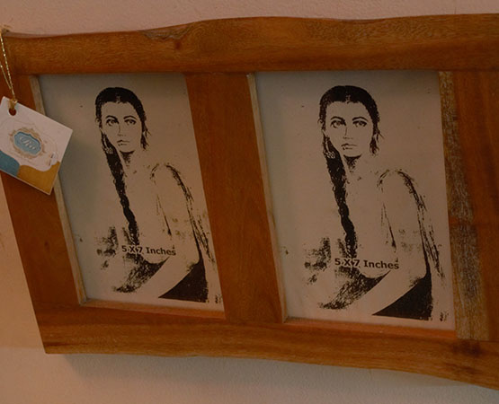 Da Wall Mounted Photo Frame