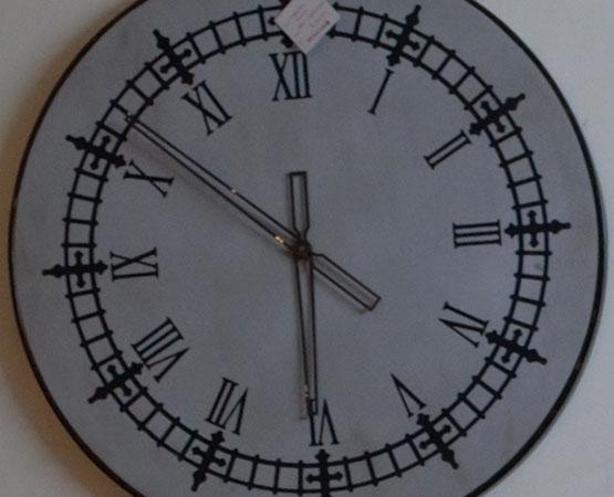 DT Wall Clock