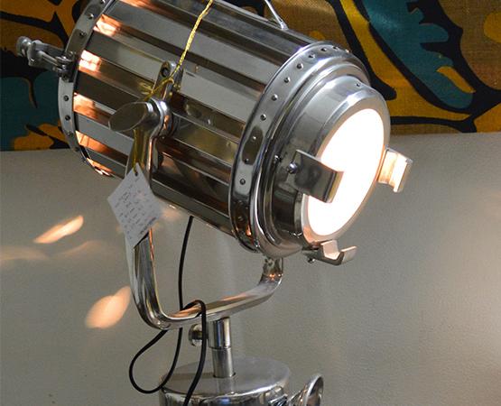 Reg Lamp