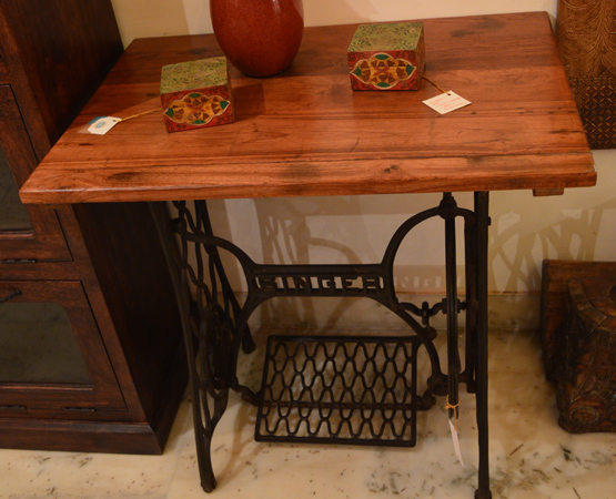 TH Console Table