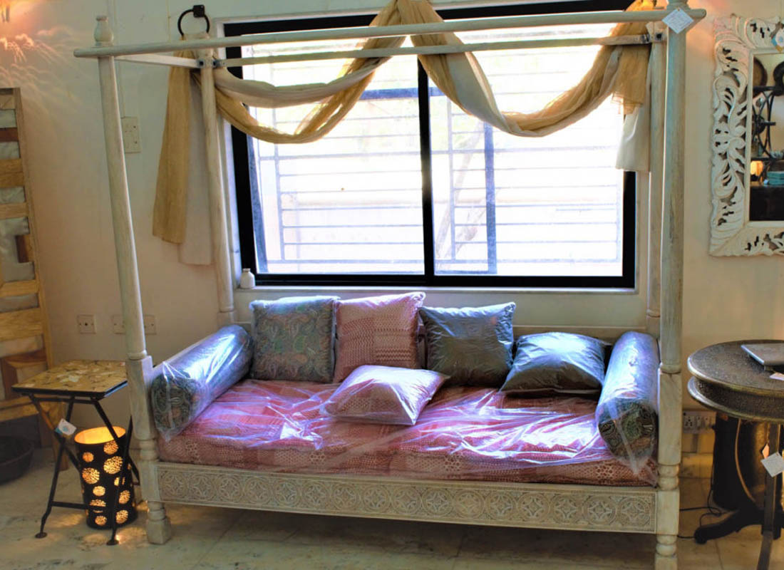 Day Bed & Deewan